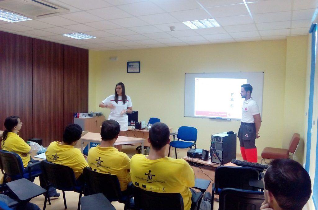 Cruz Roja enseña primeros auxilios en el hogar a los usuarios de Fundación Cadisla