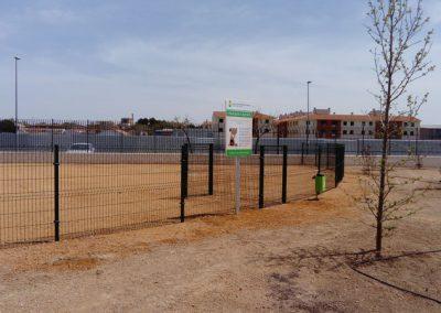 Parque-canino-pipican-en-Tomelloso---Fundación-Cadisla