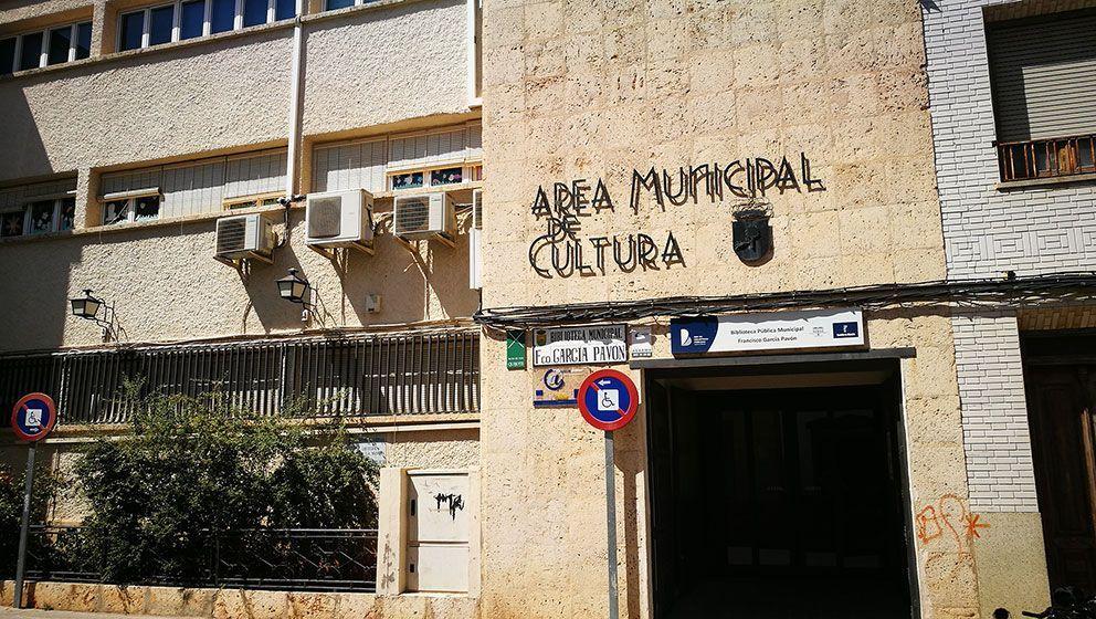 """Servicio de Conserjería en la Biblioteca Municipal """"Fco García Pavón"""" de Tomelloso"""