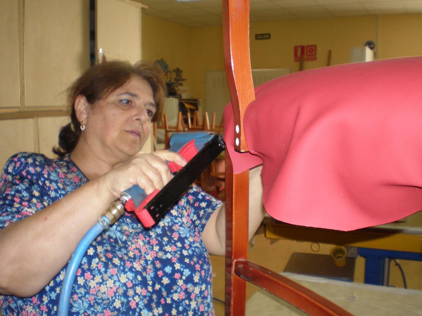 Rehabilitación-de-sillas-para-García-Baquero-3