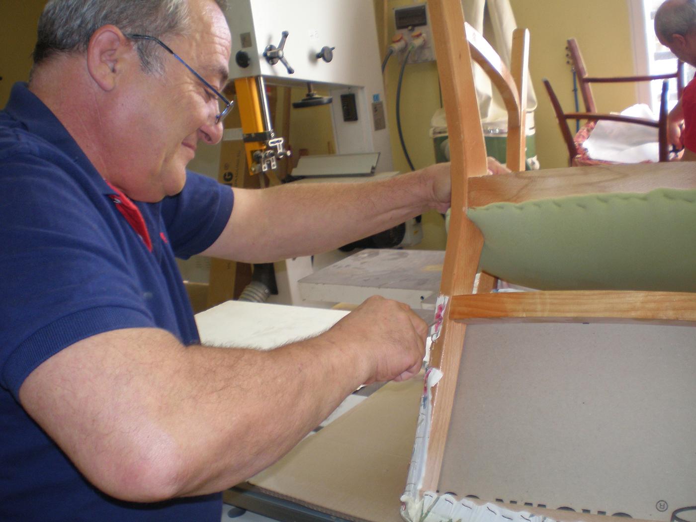 Rehabilitación-de-sillas-para-García-Baquero