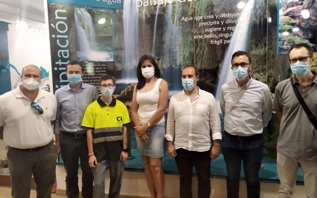 José Luís Escudero y Pablo Bellido conocen la labor de los trabajadores de Fundación Cadisla en el Parque Nacional de las Lagunas de Ruidera